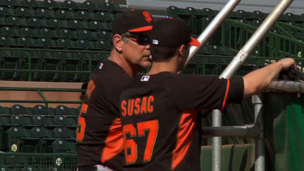 Scutaro sits out Giants' first fielding drill
