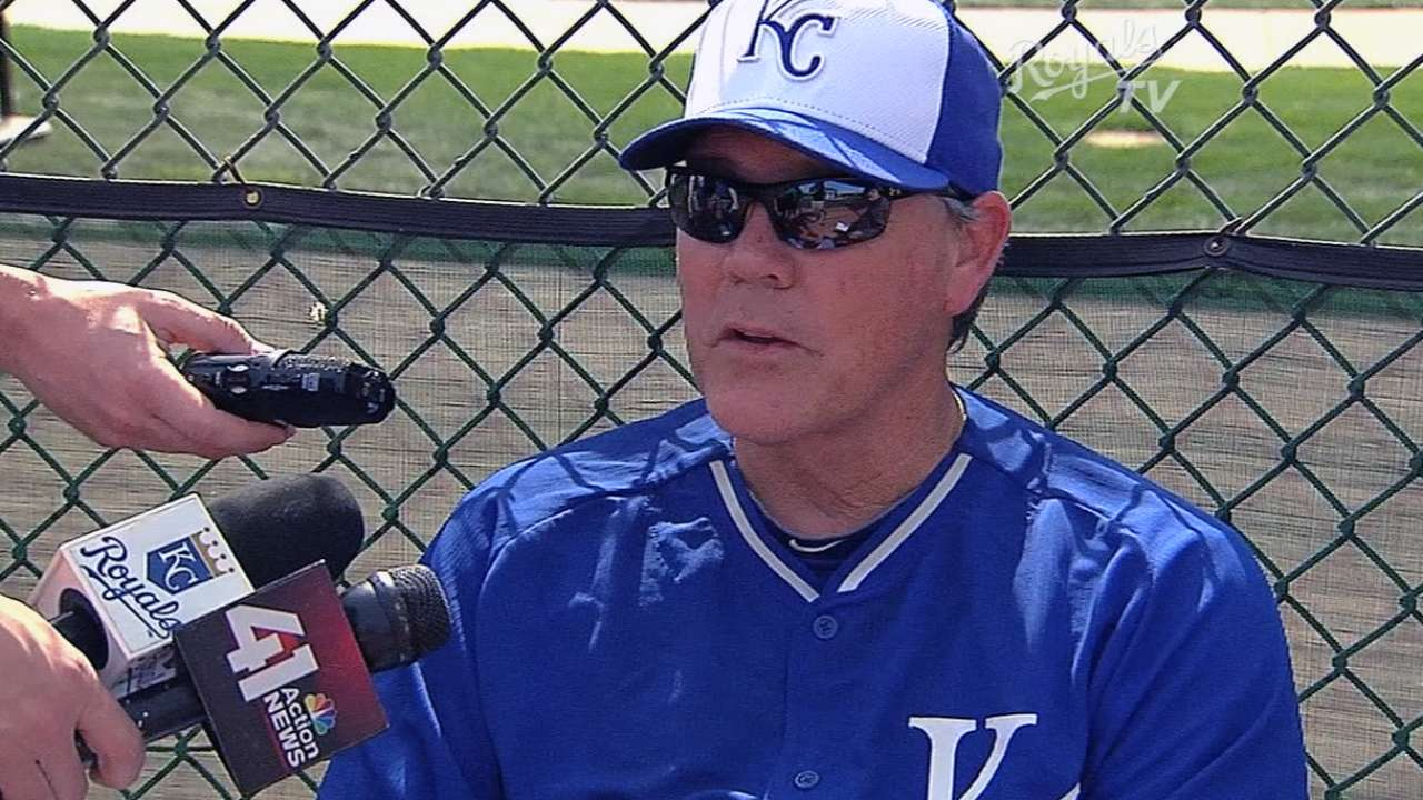 Royals to 'piggy-back' pitchers in first spring games