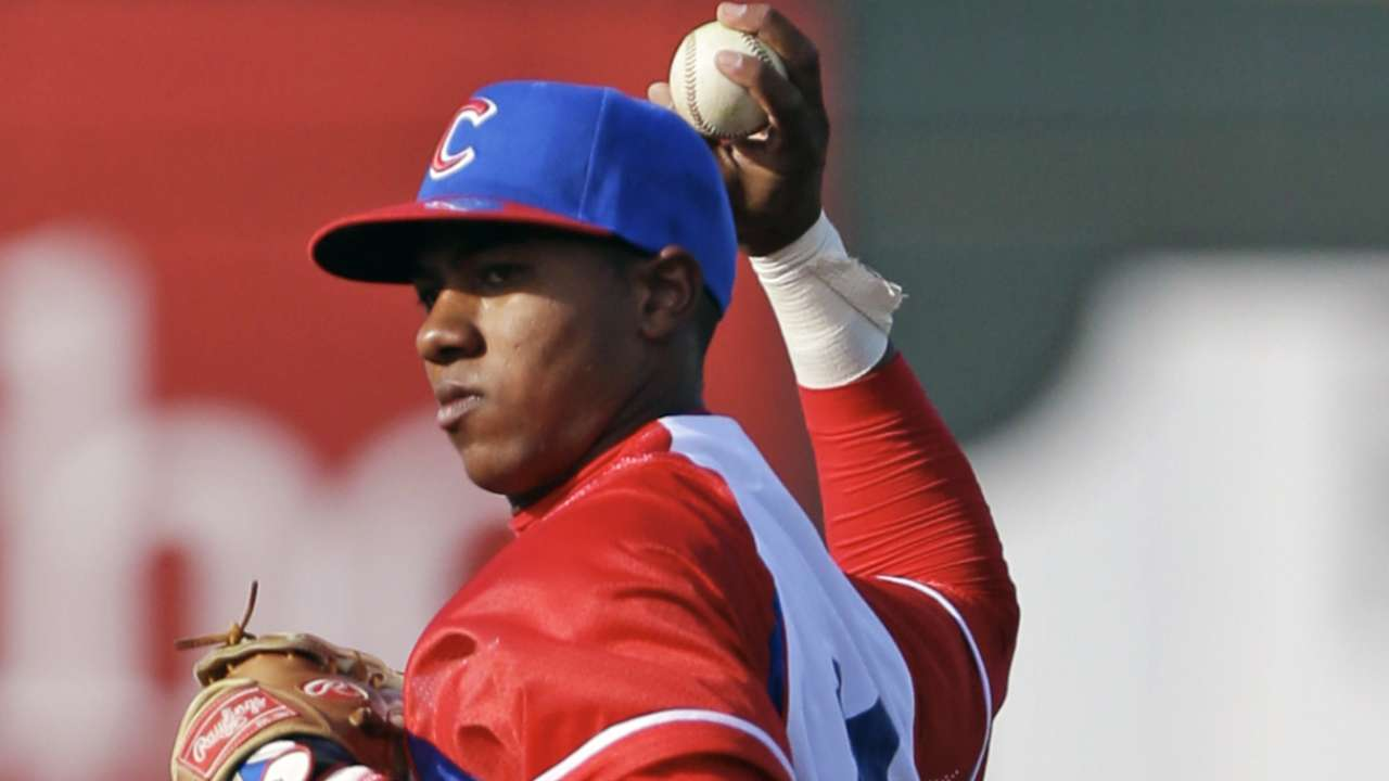 Dodgers reach preliminary deal with Cuban shortstop