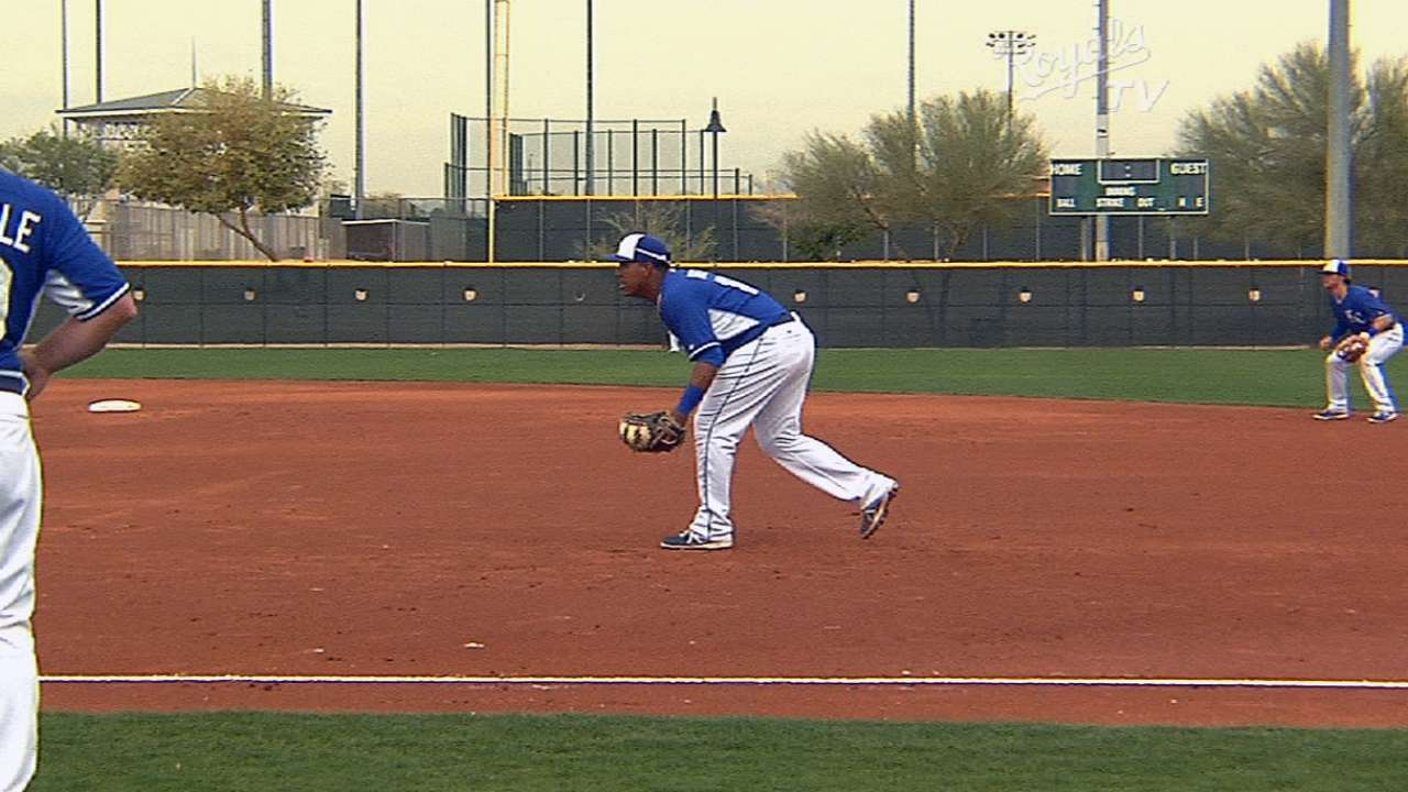 Donald powers up in Royals' intrasquad game
