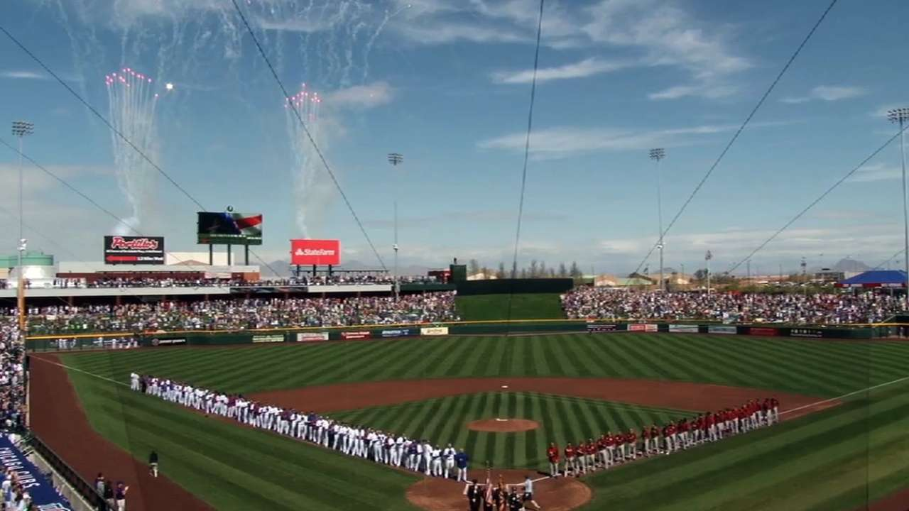 Cubs Park debuts to record crowd
