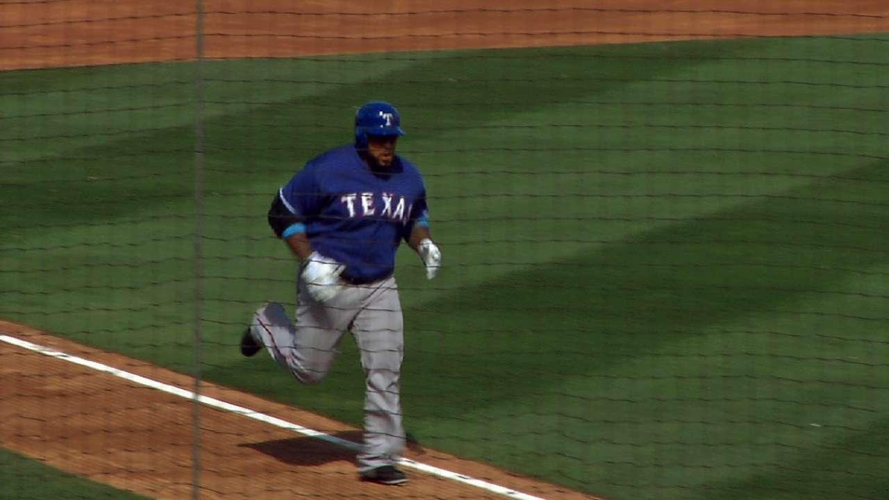 Fielder mashes home run in Rangers debut