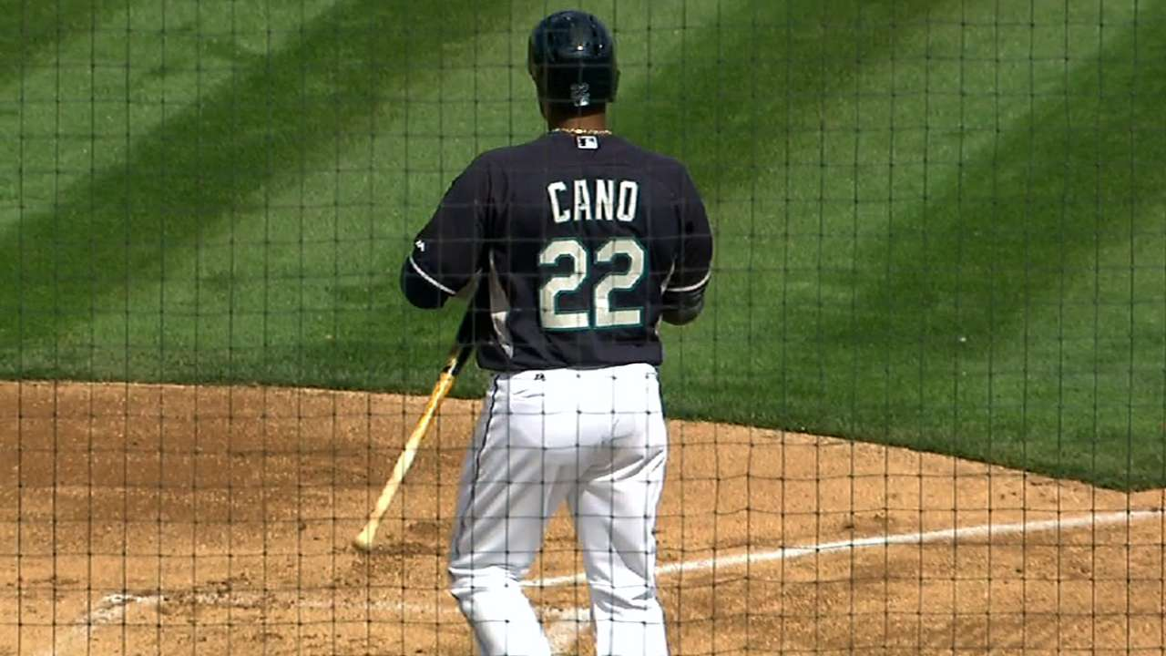 Cano enjoys successful debut vs. Padres