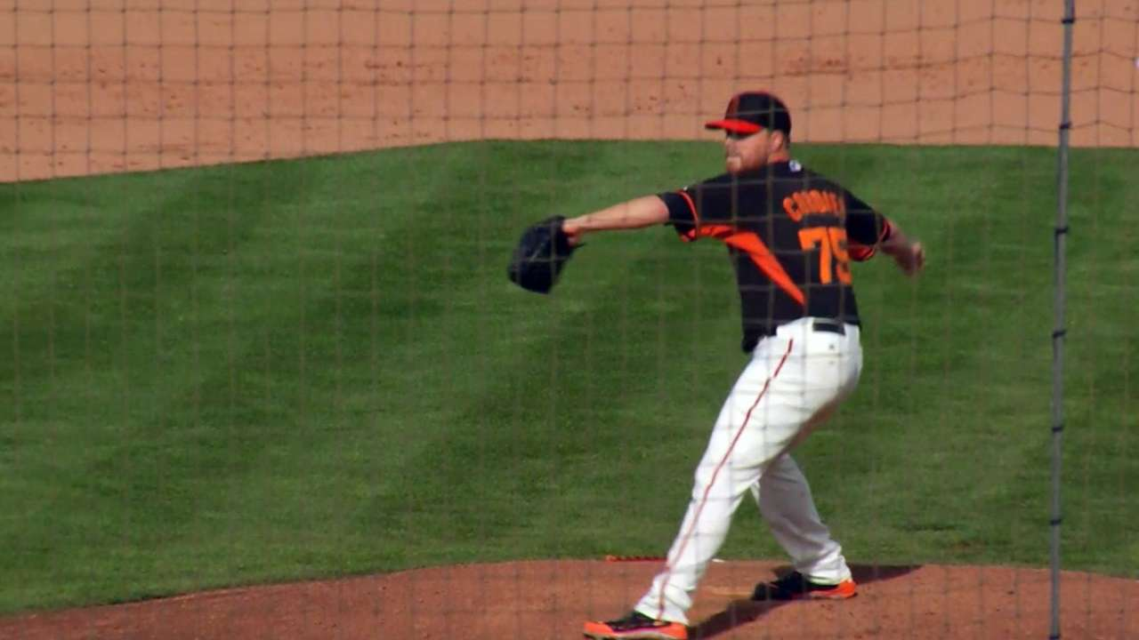 Cordier brings heat to Giants' bullpen battle