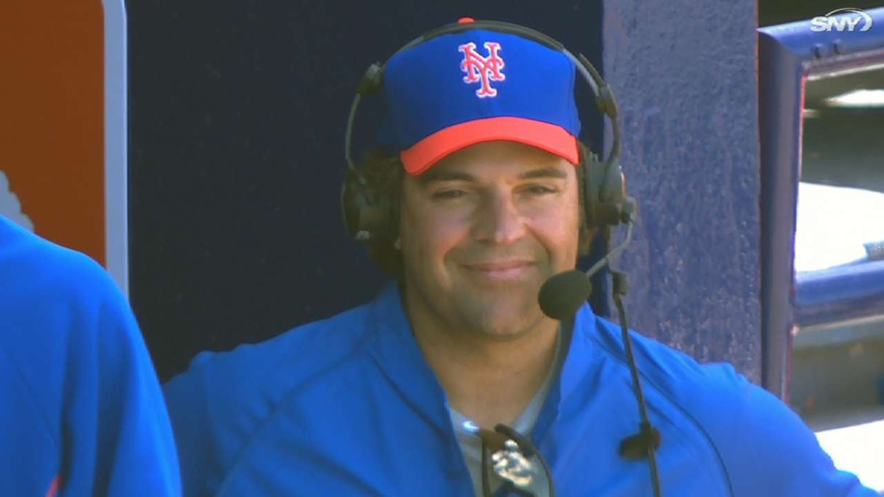 Piazza enjoying role as Mets' spring instructor