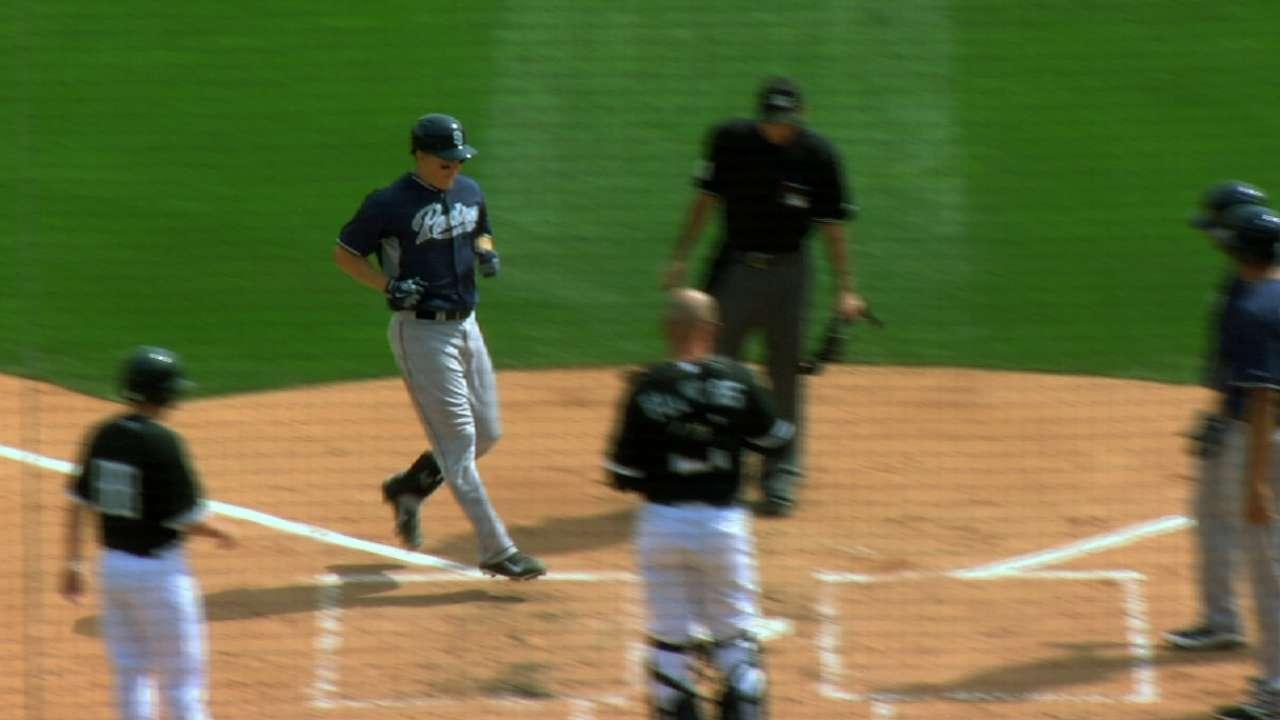 Hundley's three-run homer paces Padres
