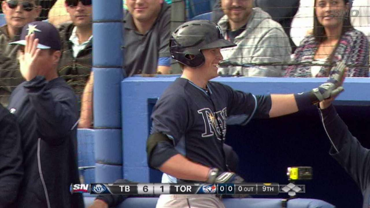 Seitzer has front-row seat for son's home run