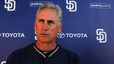 Padres welcome well-traveled Castellanos