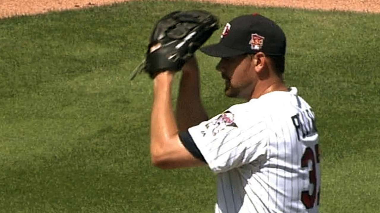 Gardenhire pleased with Pelfrey, Deduno