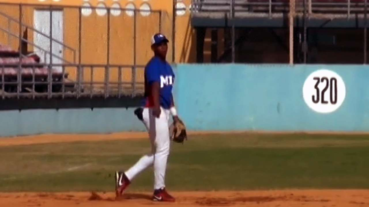 Prospect Devers has big Gulf Coast League debut
