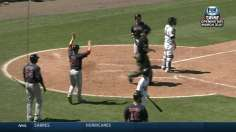 Peavy's strong debut, clutch Pedroia drive Sox
