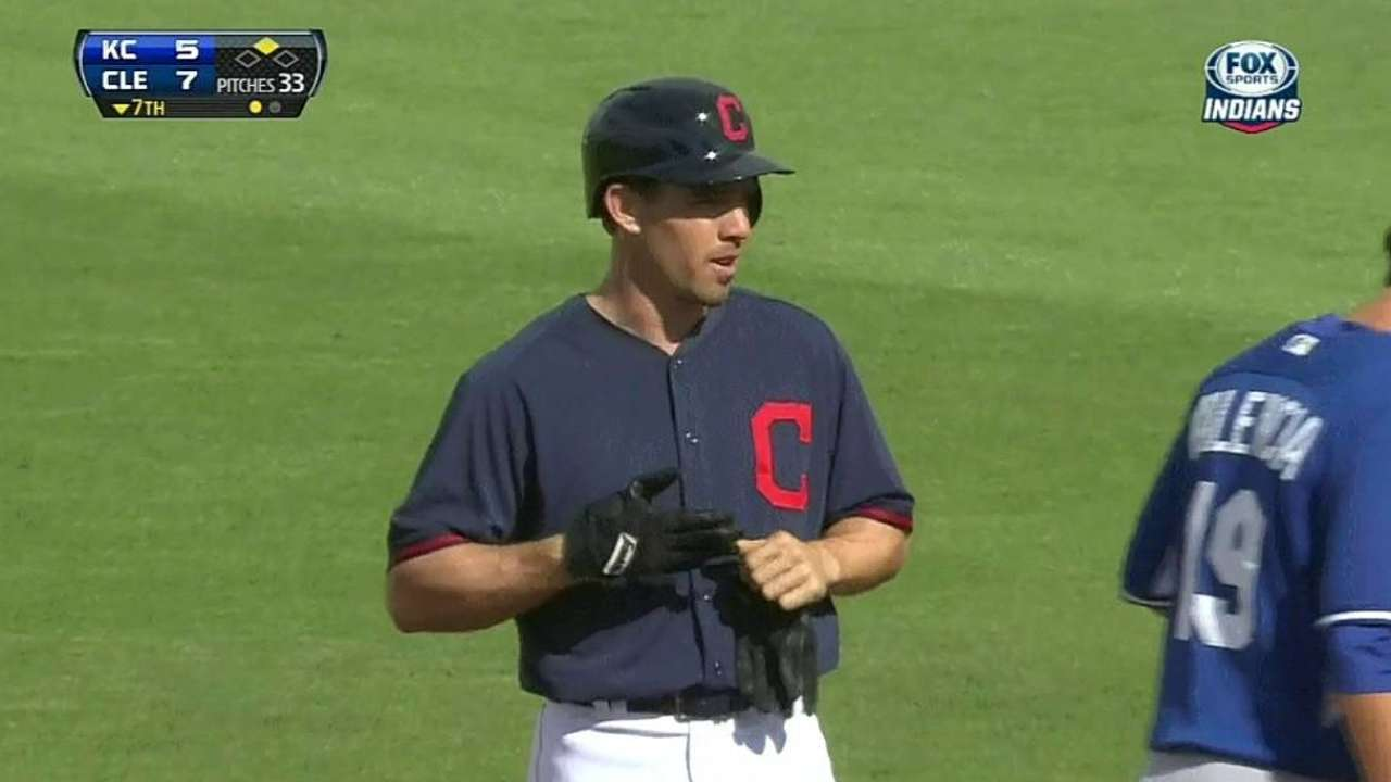 Injured hand scratches Carson from Indians' game