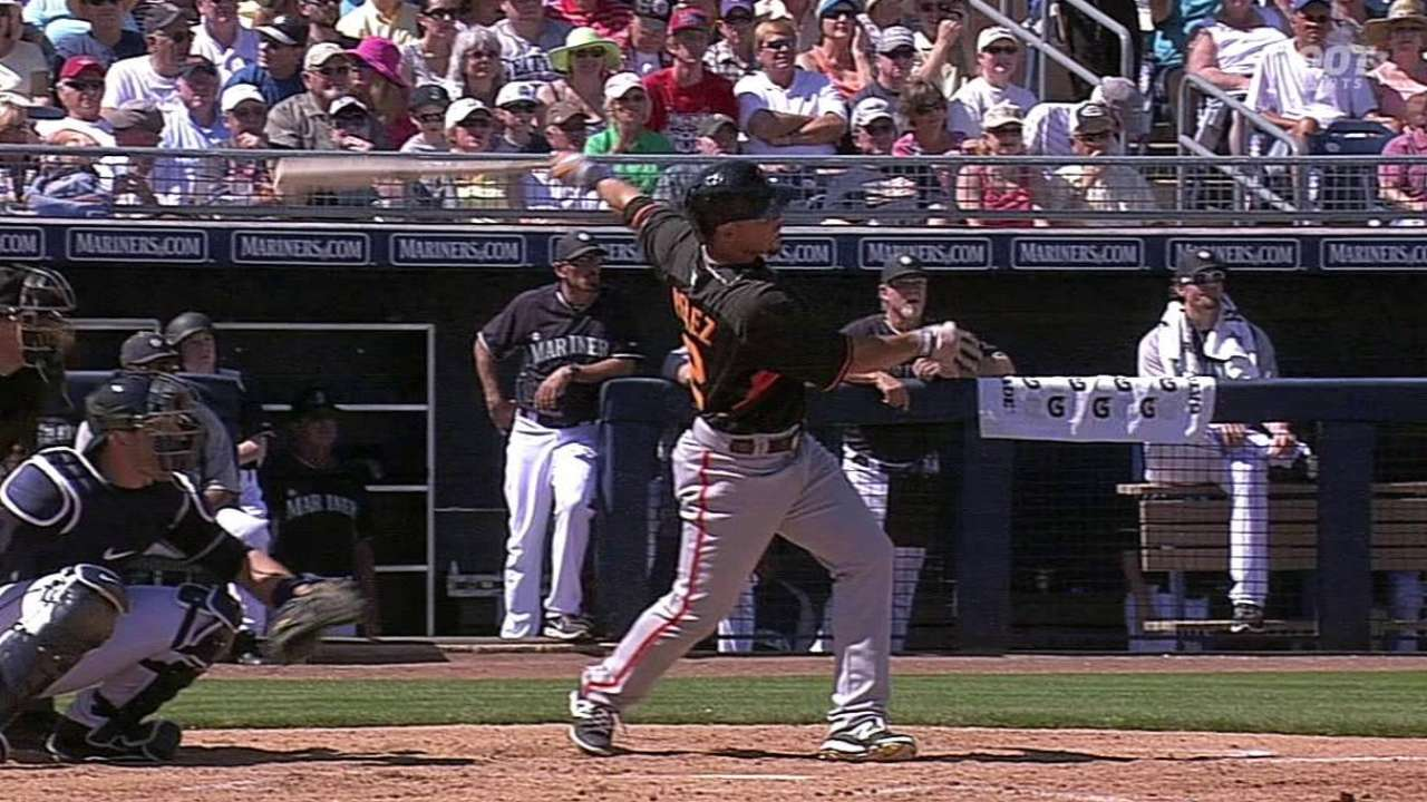 Perez goes deep to lead Giants' outburst