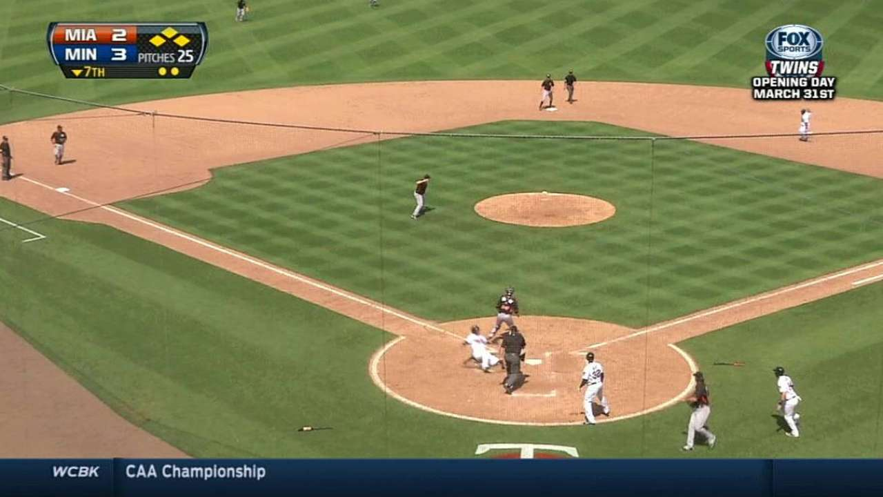 Escobar lifts Twins with go-ahead two-run single