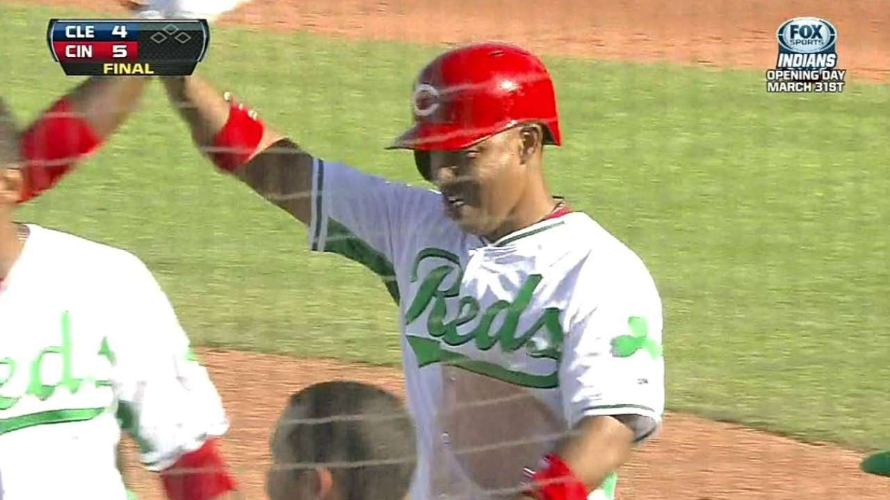 Selsky's double gives Reds walk-off victory
