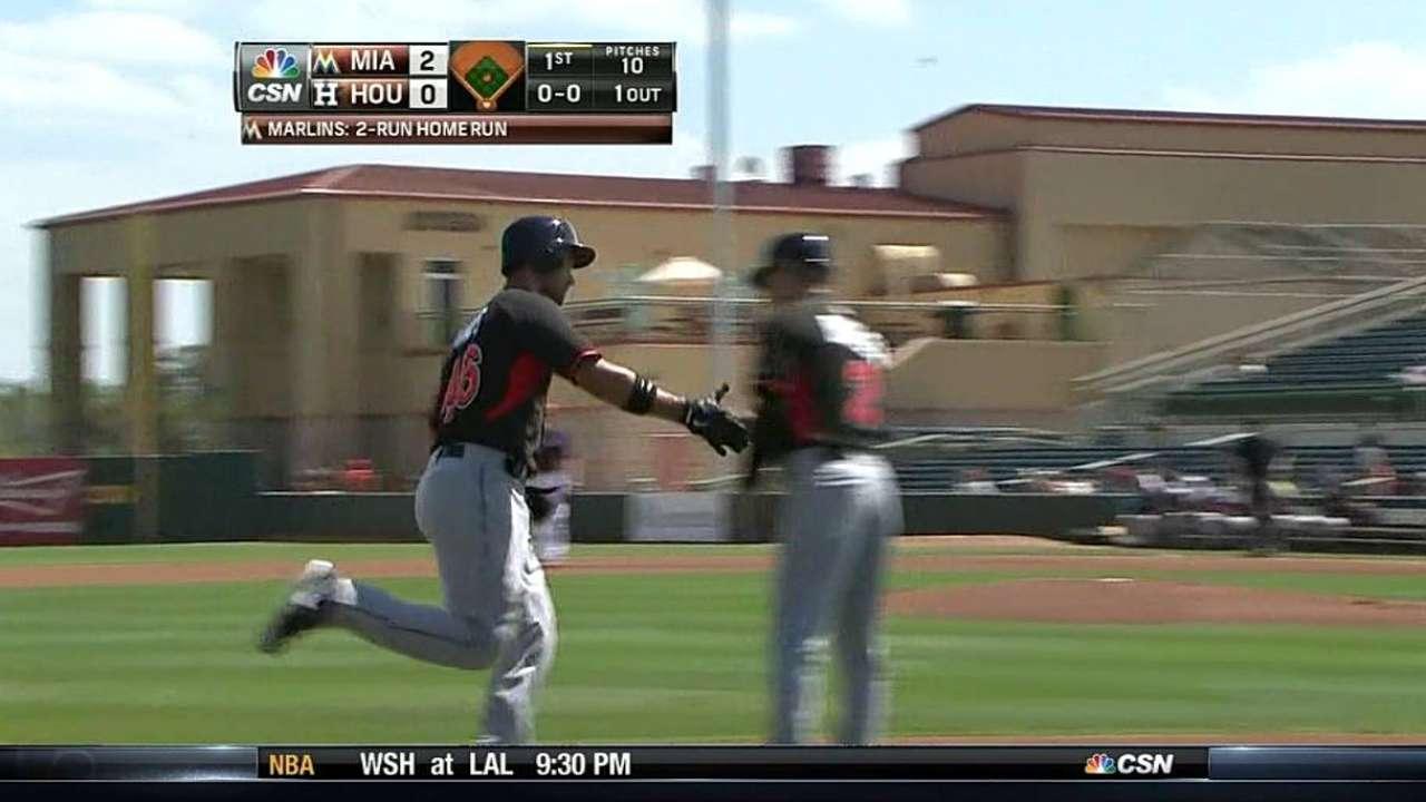Jones impulsa tres y ayuda a Marlins vencer a Astros