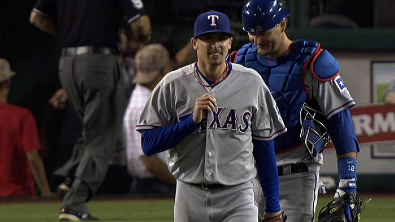 Texas has faith in Scheppers for Opening Day start