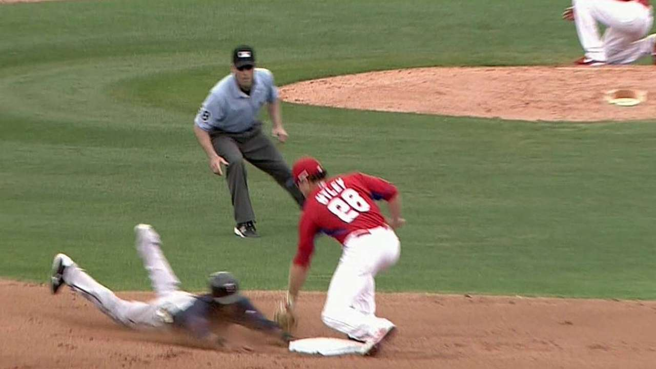 Phillies' battery cuts down on stolen bases