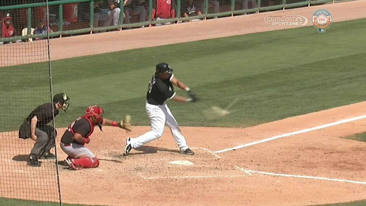 Abreu's HR helps White Sox overcome errors