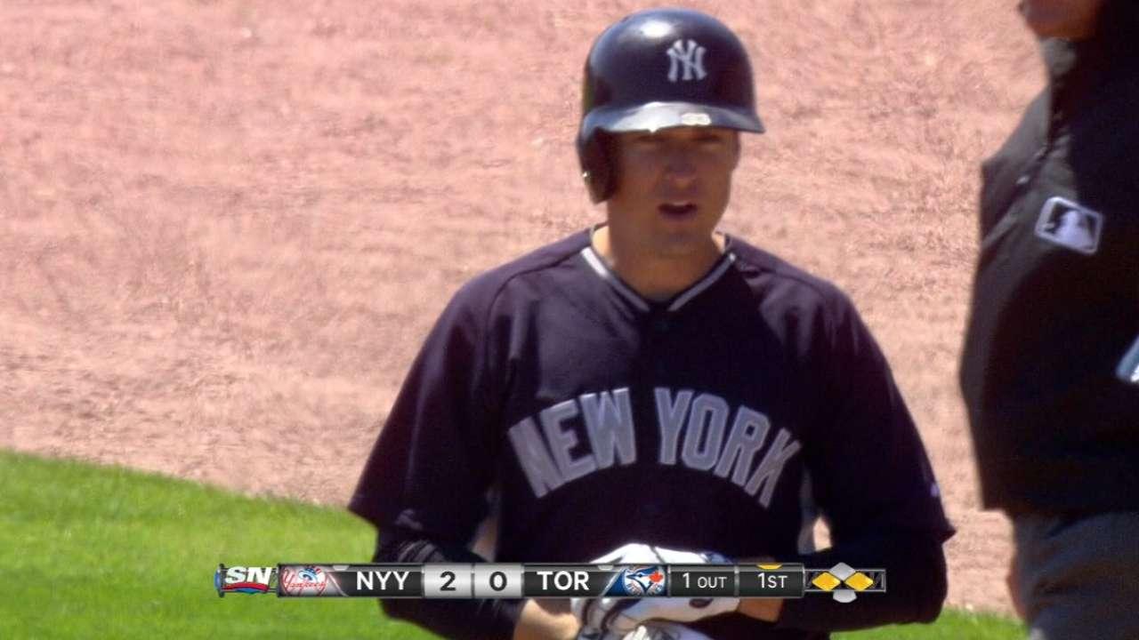 Yankees dejan escapar ventaja y caen ante Azulejos