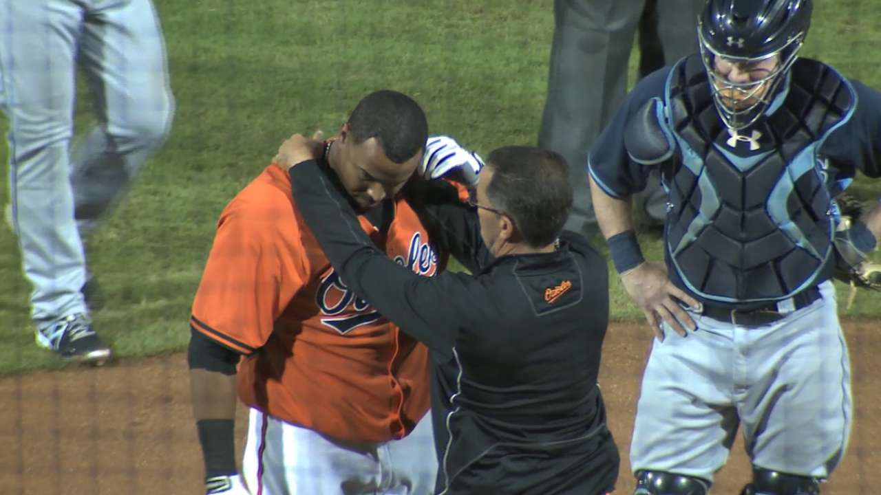 Cruz exits game after being hit by pitch on helmet