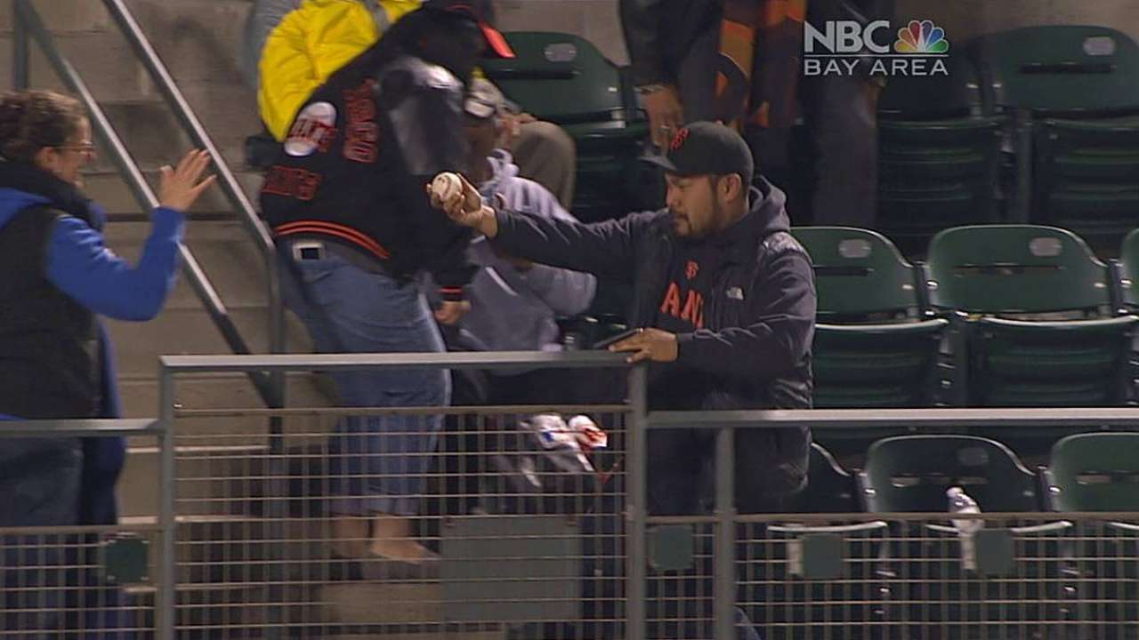 Giants excited to feed off AT&T Park's energy