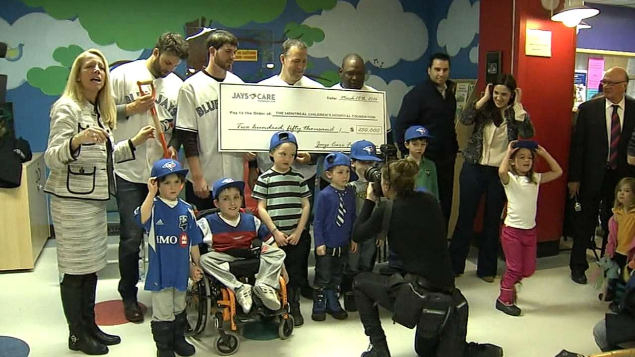 Blue Jays pay emotional visit to children's hospital