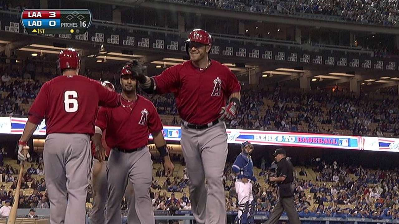 Hamilton homers behind solid Richards