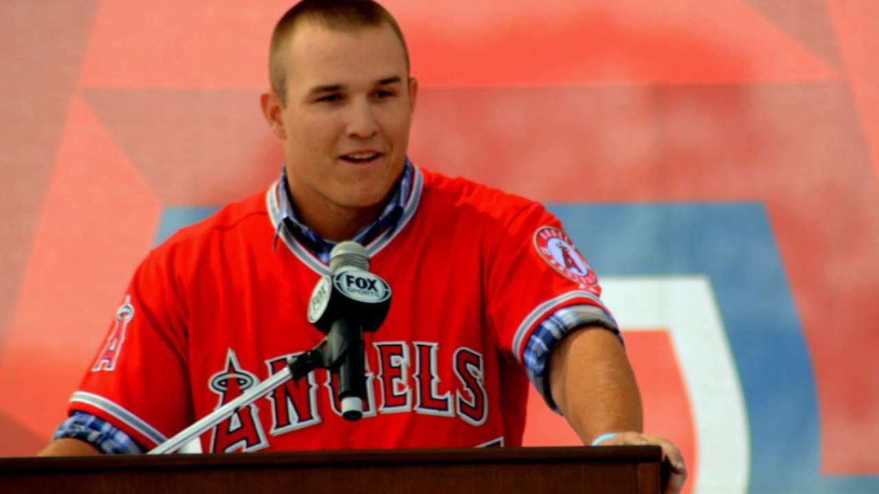 Trout, Angels 'met in the middle' in reaching mega-deal