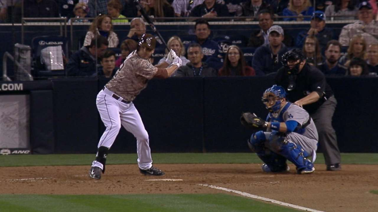 Padres' character emerges on Opening Night