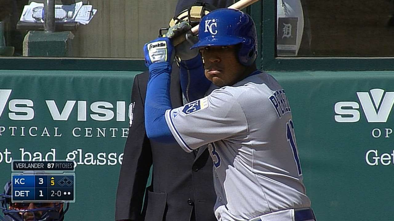 Yost rates Salvy among MLB's elite catchers