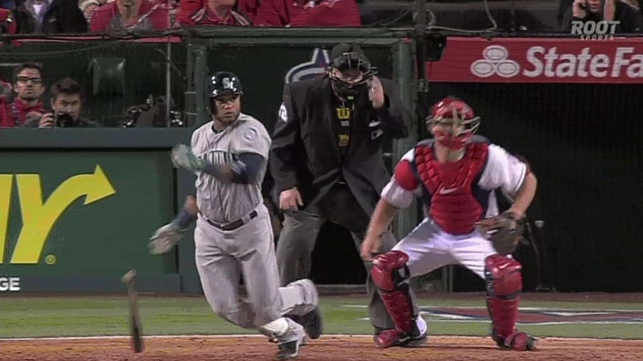 Focused Cano opens Mariners chapter