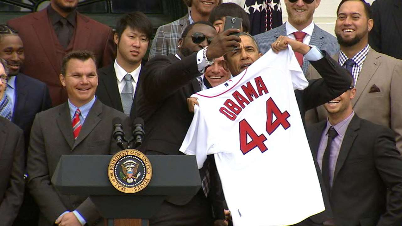 Big Papi's selfie a highlight at White House