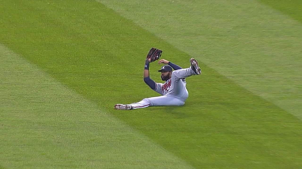 Heyward back in lineup after neck spasms