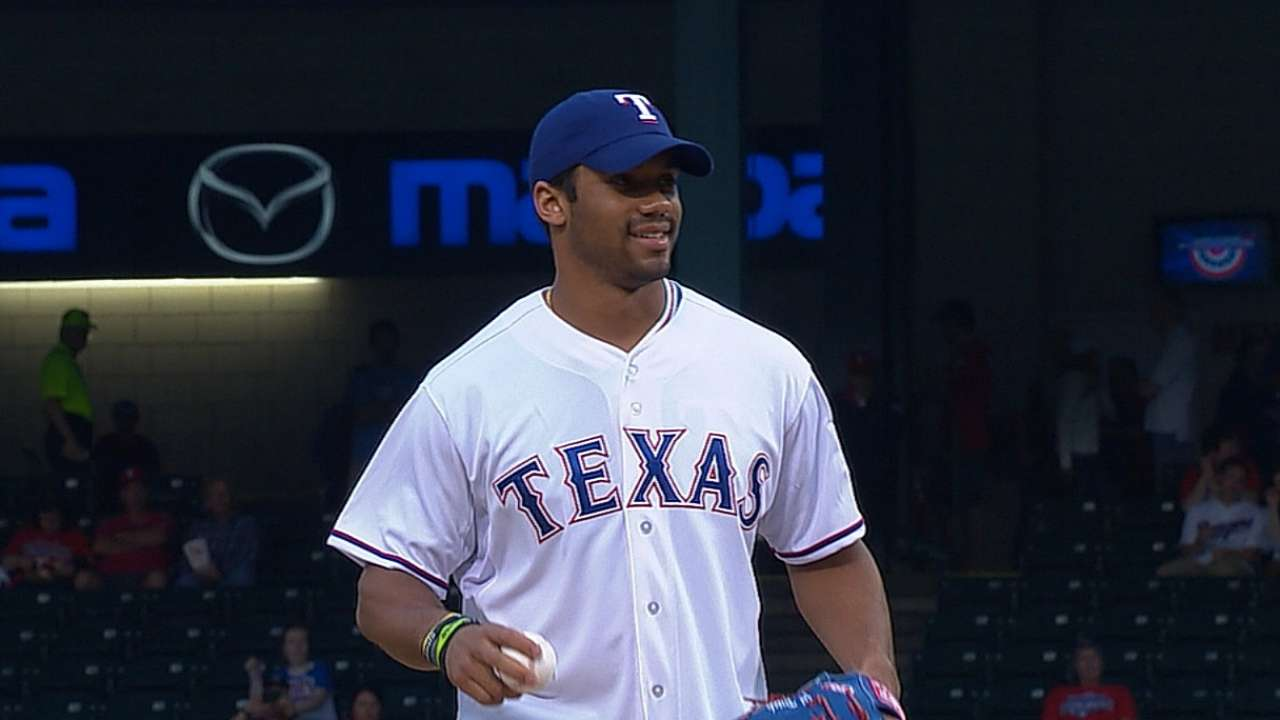 Wilson throws out first pitch before Rangers game