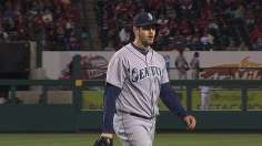 Paxton's dominating start keys sweep of Halos
