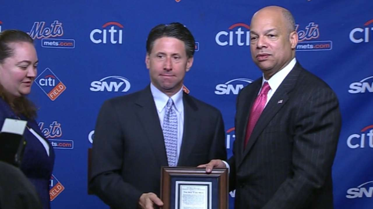 Mets recognized for Sandy relief efforts