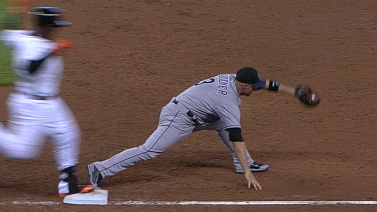 Rockies' Weiss unsuccessful on first replay challenge