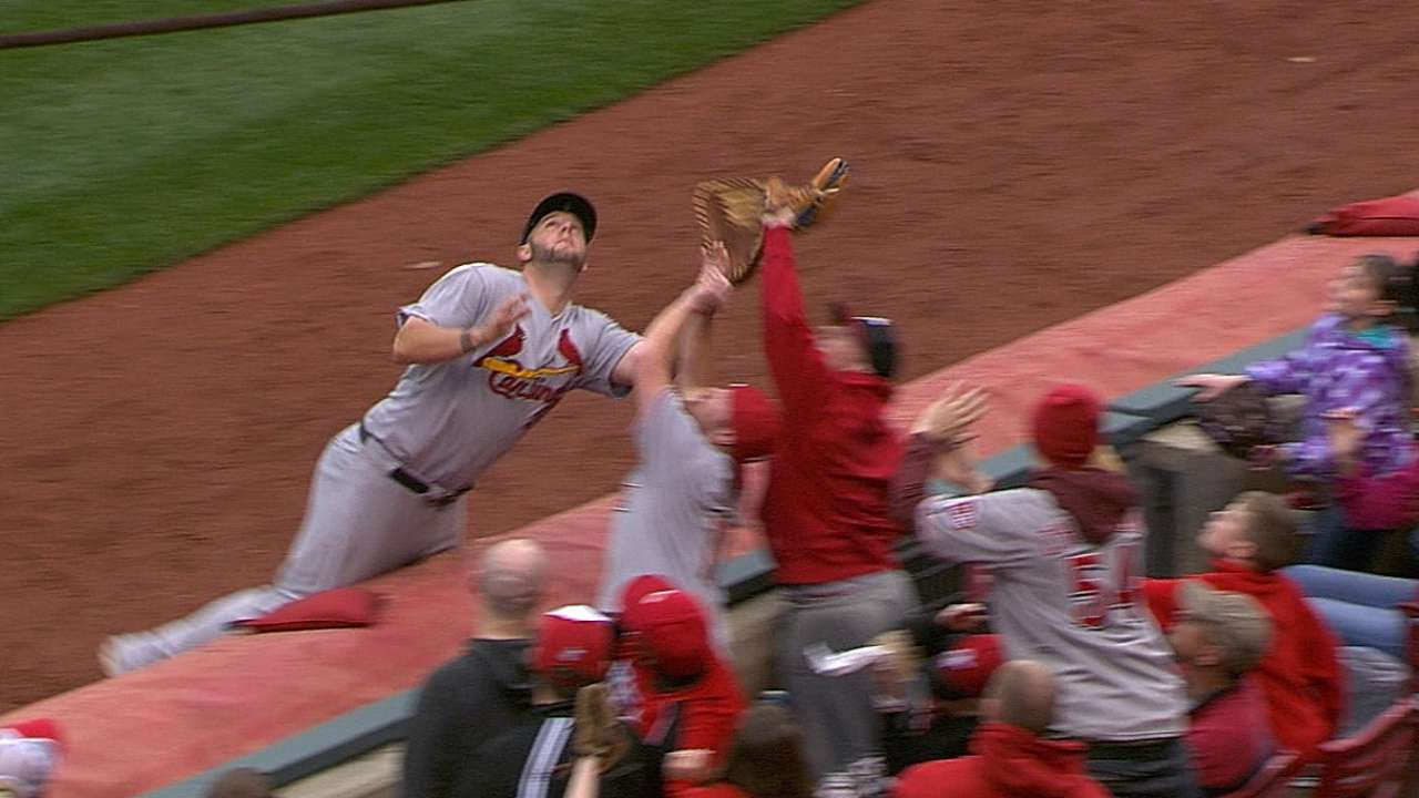 Adams shrugs off foul-ball incident with fan