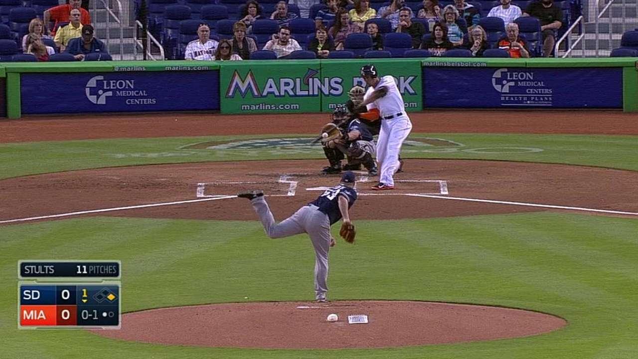 Jonrón de Stanton encamina a Miami ante Padres