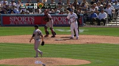 Giants deal left-hander Huff back to Yankees