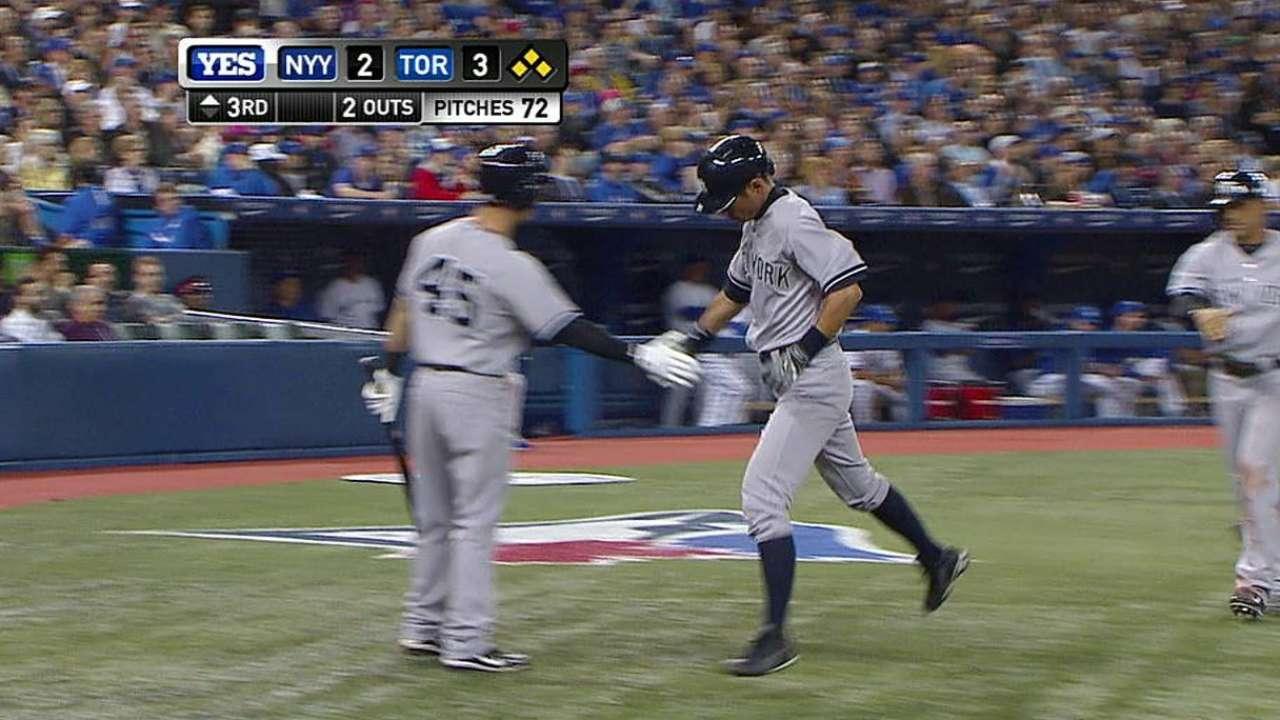 Tanaka debuta y guía a Yankees sobre Azulejos