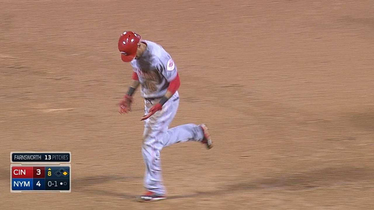 Reds scratch Hamilton due to finger injury