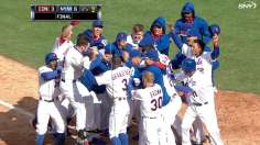 Davis belts walk-off slam in riveting ninth inning