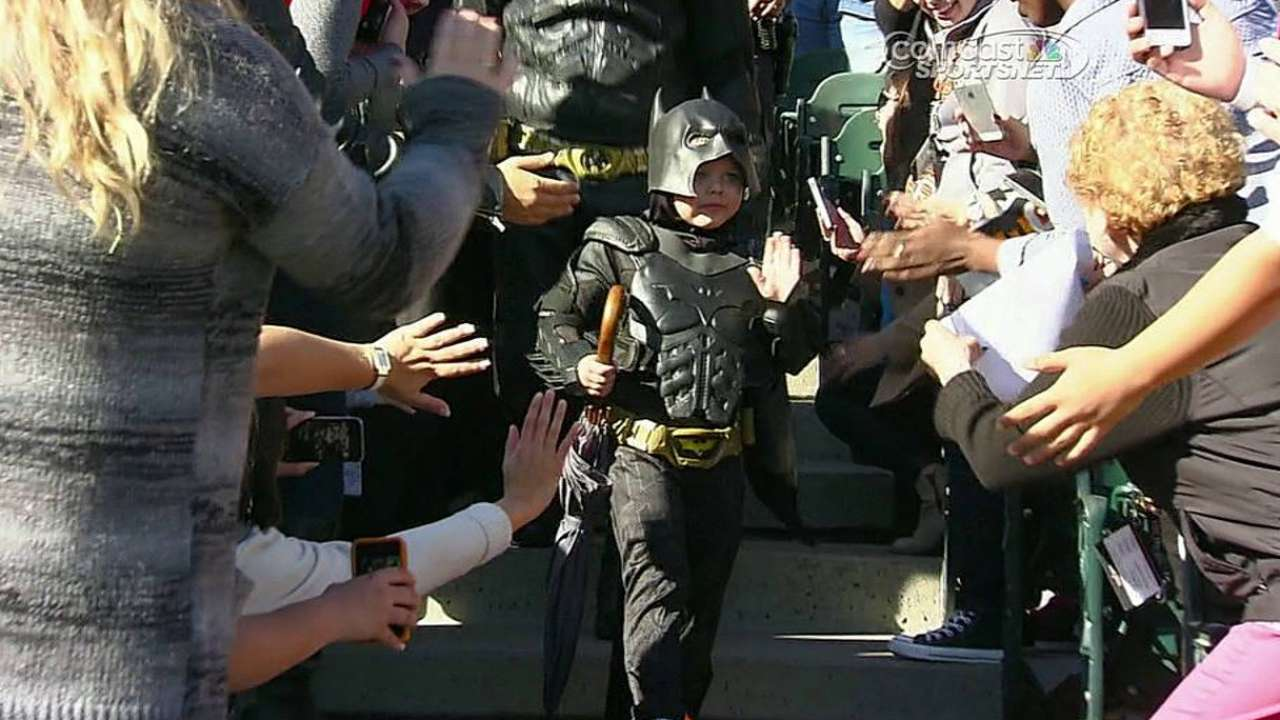 Batkid gets first-pitch honor at Giants' home opener