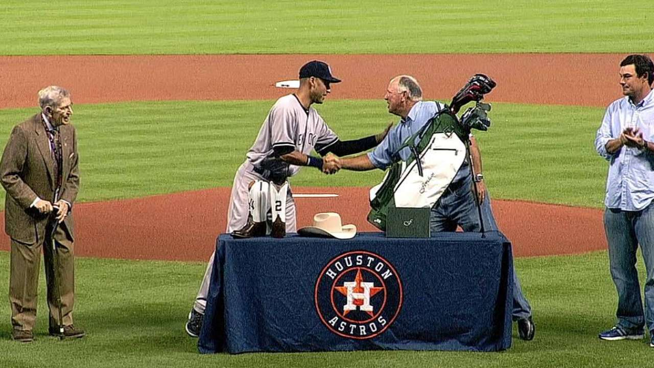 Astros shower Jeter with applause, gifts