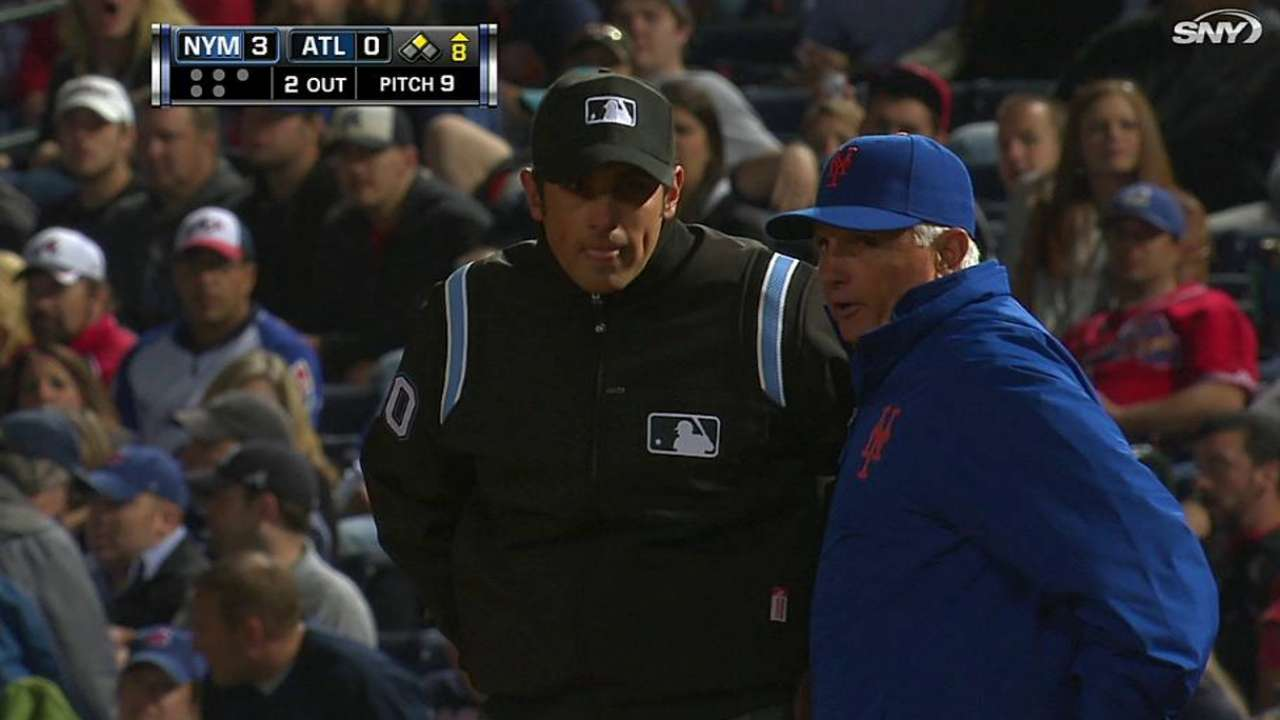 Out call at first overturned to benefit Mets