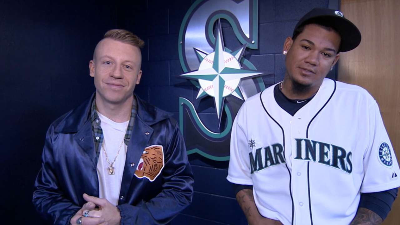 MLB shows LGBT support, takes stand vs. bullying on Spirit Day