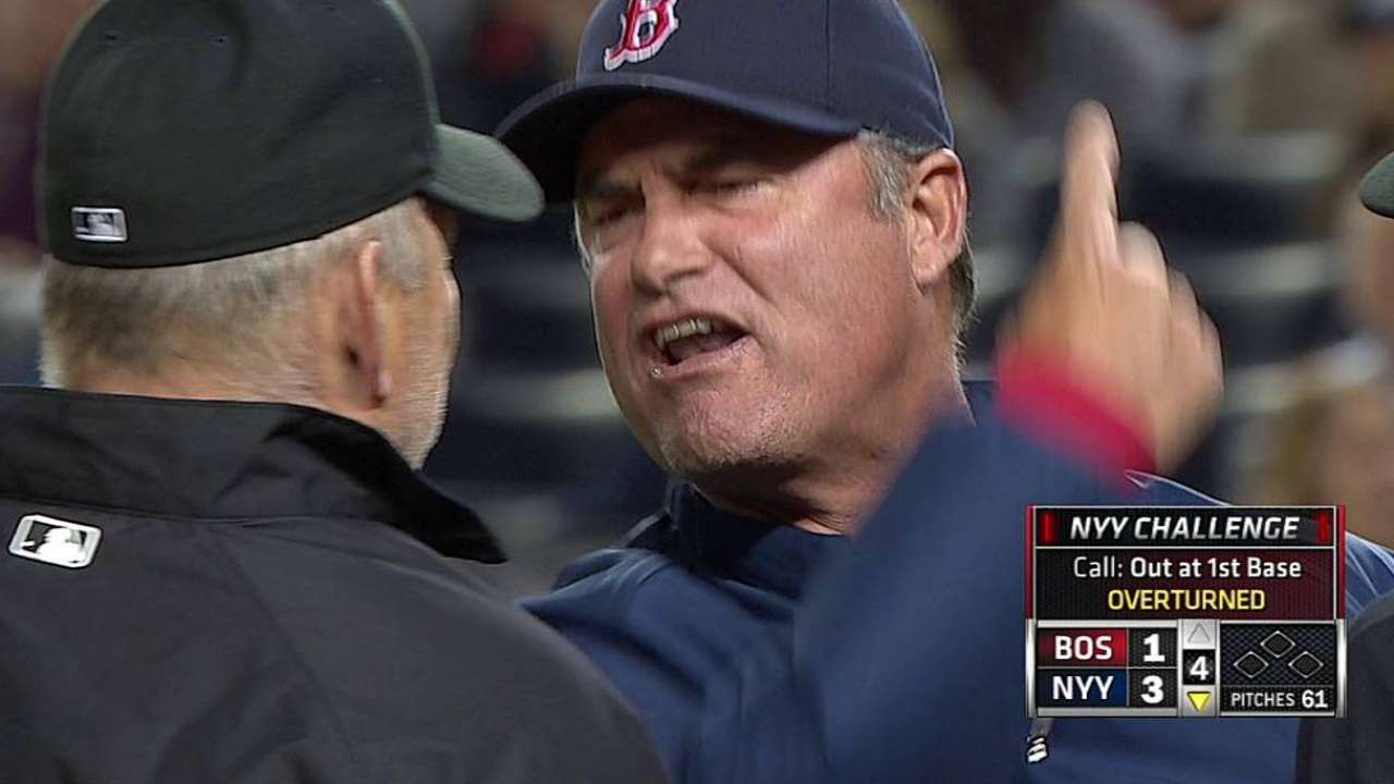 Farrell talks with La Russa about replay system