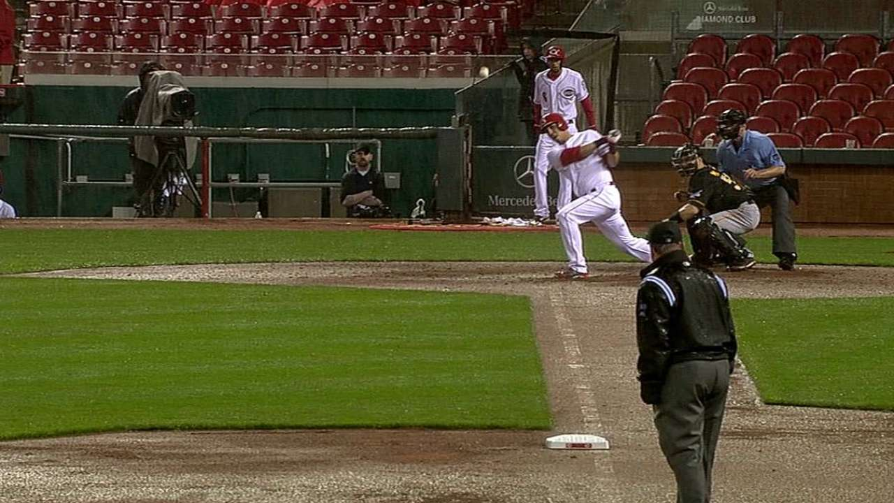 Soto gets another start at first with Votto out